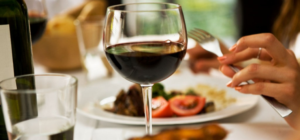 an italian dining scene